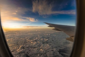Бебе почина на борда на самолет