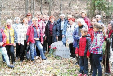 89-годишна художничка с група планинари от Кюстендил стигна до Ючбунар