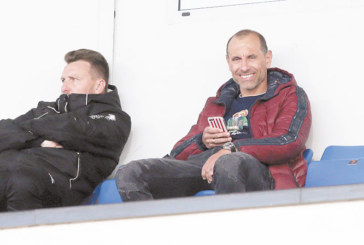 Изгониха треньор на орлетата на националния стадион, Ал. Бастунов с разцепена глава, Е. Петров се кълне: Нямаше дузпа