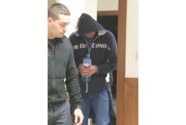 Оставиха за постоянно в ареста баретата от благоевградското село Селище Красимир Пешовски-Красо Муто, поискал 11 000 лв. откуп за краден джип