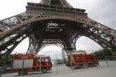 Мъж се покатери по Айфеловата кула, евакуираха района