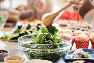 Какво не бива да добавяте към вашата салата