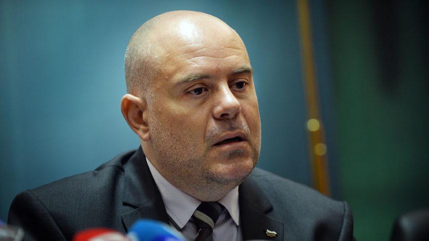 Прокурор Гешев с първи коментар за акцията в Божурище! Висш магистрат замесен в сделка за милиони