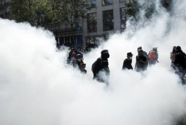 Сблъсъци и стотици арестувани в Париж