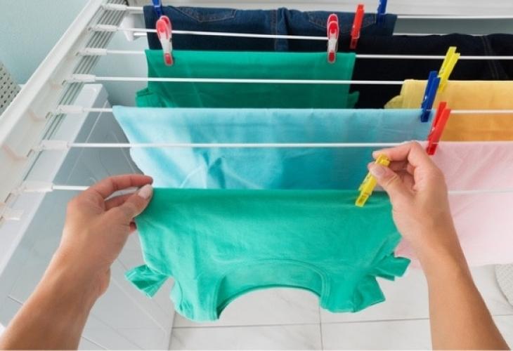 Защо никога не трябва да сушите прането в стаята?