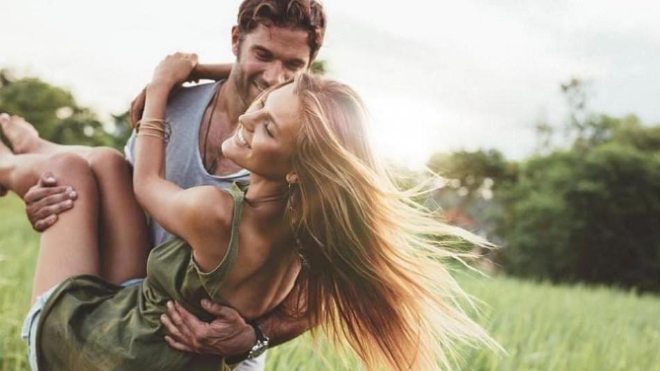 Какви мъже харесват жените според зодията си?