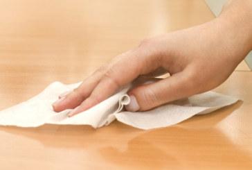 Какво НЕ ТРЯБВА да почиствате с антибактериални кърпички
