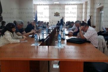 ОбС – Разлог реши: За 297 хил. лева продават минералната баня с над 5 дка имот в село Баня, кандидат-купувачите са децата на съдия-изпълнителя Г. Цеклеов