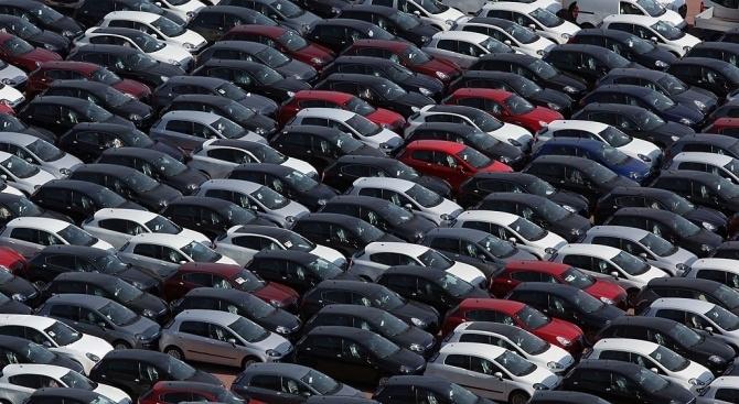 Нашенци горят с коли от Италия, заради коварна застрахователна измама
