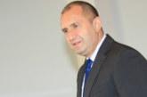 Президентът Румен Радев пожела на добър път на абсолвентите от 25-ия випуск в АУБ