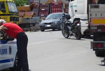 Инцидент в Благоевград!  Товарен автомобил засече моторист