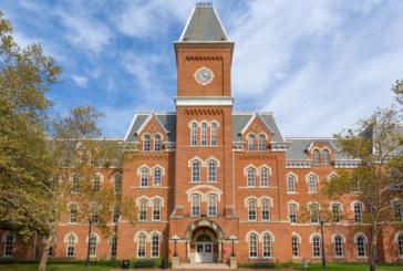 Лекар насилил сексуално 177 студенти в САЩ