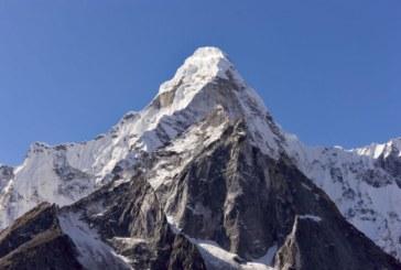 Британски алпинист загина на слизане от Еверест