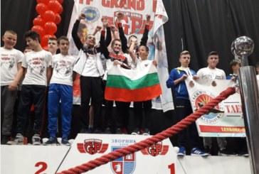 """Децата на """"Фолкън"""" с 8 титли в откритото първенство на Босна, подкрепление от Банско се позлати в отборния спаринг"""