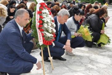 Паметта на героите е жива! Разлог отбеляза Деня на Европа и победата над фашизма и отдаде почит на героизма