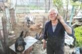 """Пенсионер шофира 42-годишна """"Волга"""", сам изработва на струг части за ремонта й"""
