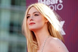 Актрисата Ел Фанинг припадна на кинофестивала в Кан