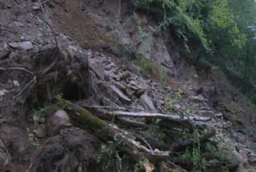 Активизира се срутището на пътя към Рилския манастир