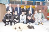Наградиха с живо агне победителите на футболния турнир в Кочан