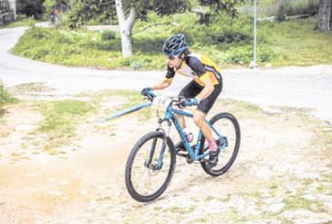 Студентът по дентална медицина Цв. Иванов се подхлъзна в най-старото колоездачно състезание на Балканите