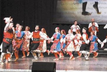 Разложки танцьори вдигнаха на крак зала 1 на НДК