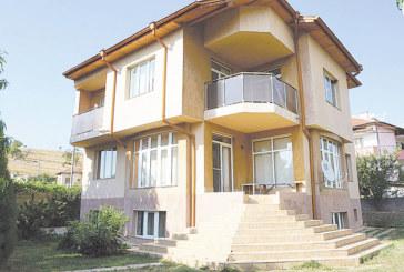 Хотелиери бесни на международен сайт, в който 58 благоевградчани си предлагат на чужденци апартаментите и им крадат клиентелата