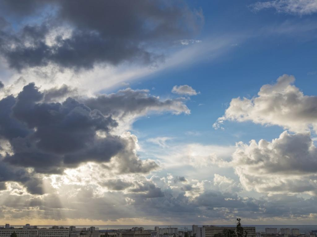 Облачно с превалявания днес