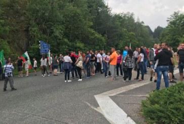 Протест на животновъди затвори Подбалканското шосе