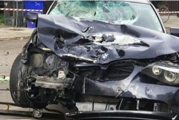 Жестока трагедия! 20-годишен загина в размазано на пътя БМВ, спътникът му бере душа