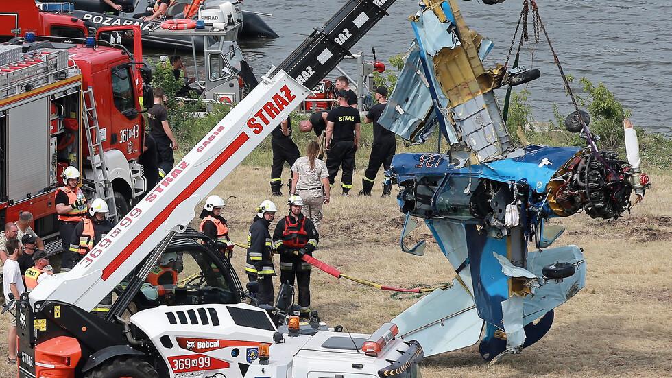 Самолет падна в река в Полша, пилотът загина