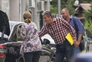 Първанов си купува домати с охрана, личен шофьор вози експрезидента