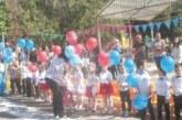 Кметът Н. Георгиев зарадва с подаръци малчуганите от детската   градина в Кресна