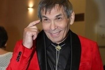 Любим на поколения руски музикант излезе от медикаментозна кома