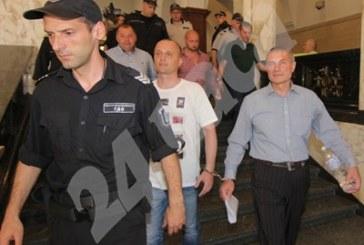 Полицаите, осъдени за смъртта на Чората, се изправиха пред ВКС /СНИМКИ/