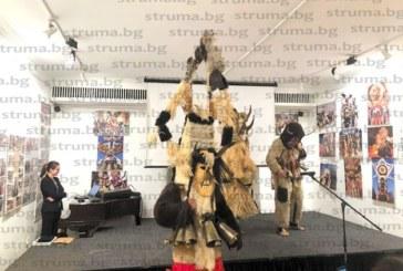 Обичая Сурва показаха перничани в Лондон, разчувстваха български гурбетчии