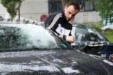 Бербатов паркира на пешеходна пътека, ругае полицаи насред София /Снимки/