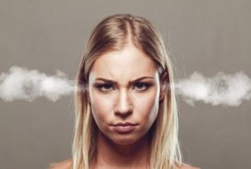 Езикът на тялото: Кога жената е ядосана