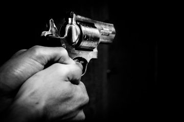 Дупничанин заплаши с пистолет благоевградчанка, закопчаха го