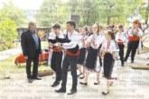 Оркестър с народни инструменти поведе шествието на участниците в детския фолклорен фестивал в Дрен