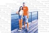 Ексорлето М. Костов-Джек разпуска с приятелката си по плажовете на Кипър