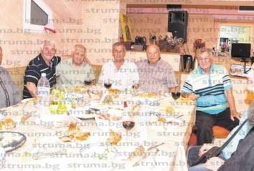 """Орлета от златното поколение пяха """"Пирин е голема планина"""" за 70-г. юбилей на Д. Андреев-Макето"""