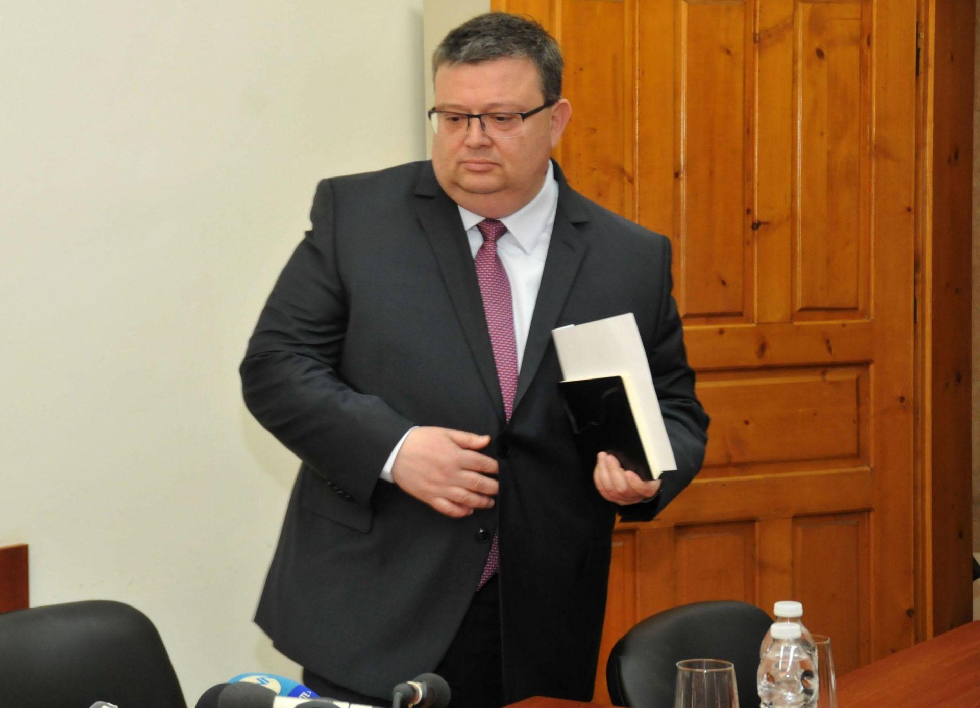 Цацаров предложи нов главен прокурор да бъде избран на 14 ноември