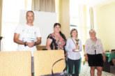 Сестрата, съпругата и тъщата на петричкия гросмайстор К. Георгиев с медали от държавното за ветеранки
