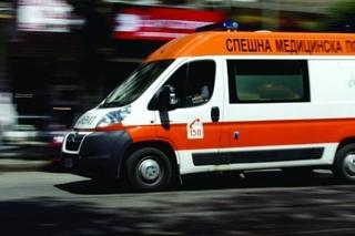 """Линейка се изстреля към кв. """"Еленово""""! Моторист се заби в кола"""