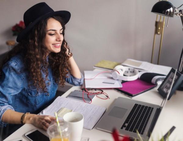 4 признака, че кариерата ви върви по-добре от любовния живот