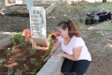 Мъка! Майката на загиналото бебе при катастрофата с Местан рови с ръце гроба му