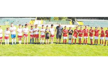 """Футболните надежди на """"Беласица"""" с двойна победа над връстници от Доспат на стадиона в Гоце Делчев"""