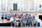 """Седмокласниците на гоцеделчевското III ОУ се """"дипломираха"""" на вълнуваща церемония в Античния театър в Пловдив, изненадаха ги със свидетелства с нова визия и дизайн"""