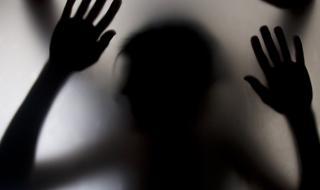Обвиниха мъж, че изнасилвал дъщеря си с години