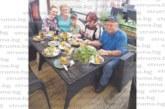 Цялата благоевградска винарска фамилия Бошкилови на гости на внучката Вили в Швеция